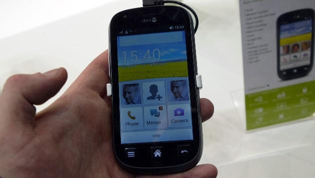 Neuer Handy-Trend: Senioren-Smartphones kommen (Bild: Dominik Erlinger)