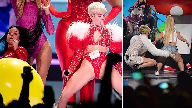 Cyrus: Nun Kritik wegen Show mit Kleinwüchsigen (Bild: AP)