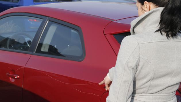 Parkplatz-Konflikt in Favoriten: Auto zerkratzt (Bild: Zwefo)