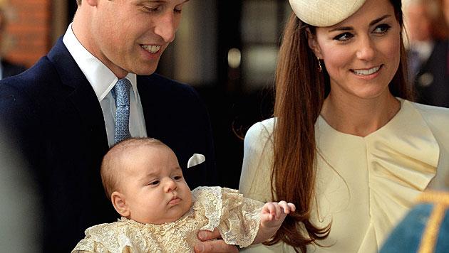 Prinz George bei seiner Taufe (Bild: EPA)