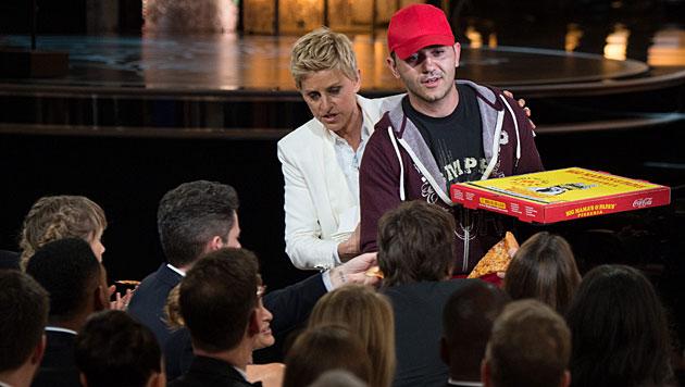 Oscar-Pizzabote bekommt 600 Dollar Trinkgeld (Bild: APA/EPA/GREG HARBAUGH)