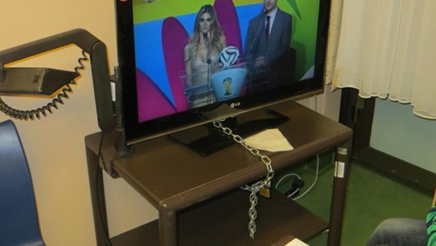 Wiener AKH muss bereits Fernseher anketten (Bild: Privat)