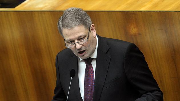 Rupprechter wird spätestens nach Wahl empfangen (Bild: APA/Herbert Pfarrhofer)