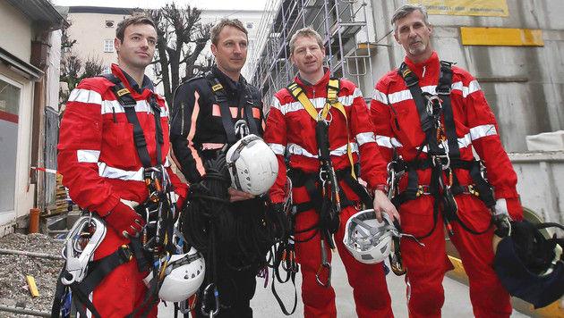 Ohnmachtsanfall: Kranführer aus 30 m Höhe gerettet (Bild: MARKUS TSCHEPP)