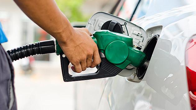 Spritpreis-Dauertief lässt Inflation weiter sinken (Bild: thinkstockphotos.de)