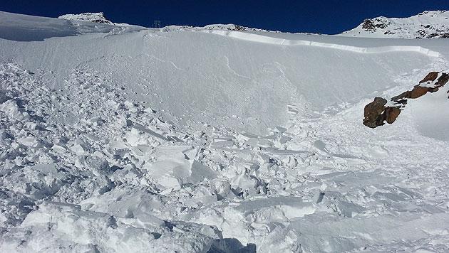 Suche nach verlorenem Ski kostet Mann das Leben (Bild: APA/ZEITUNGSFOTO.AT/ DANIEL LIEB)