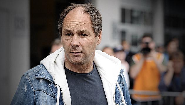 Gerhard Berger nach Skiunfall aus Spital entlassen (Bild: APA/ANDREAS PESSENLEHNER (Archivbild), krone.at-Grafik)
