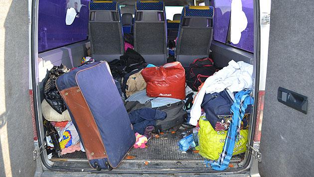 NÖ: Mit 42 Personen besetzter Kleinbus gestoppt (Bild: APA/LPD NÖ)