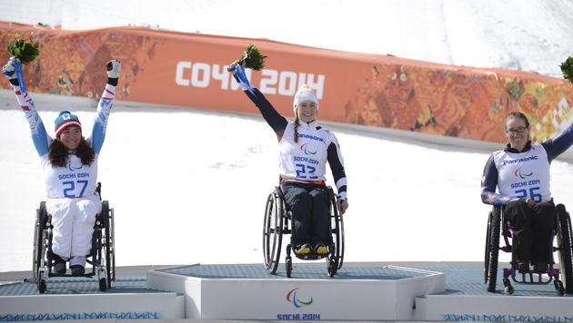 Paralympics-Medaille für Claudia Lösch (Bild: EPA)