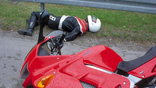 Handy-App soll Motorradfahrern das Leben retten (Bild: ADAC, Symbolbild)