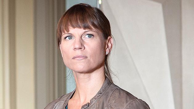 Sprenger gibt nach 13 Jahren die Dienstmarke ab (Bild: ORF/BEO-Film/Stefanie Leo)
