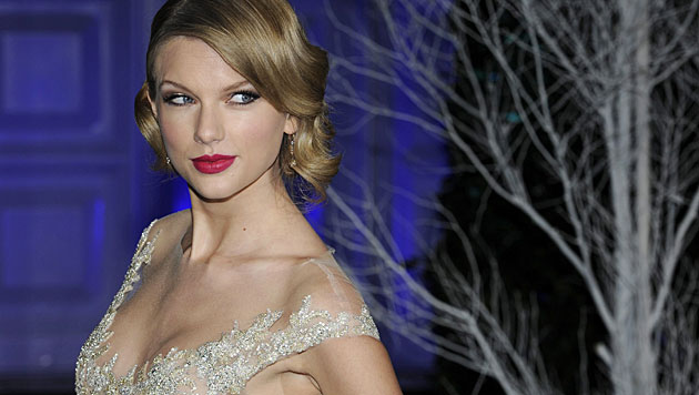 Taylor Swift kauft Porno-Domains (Bild: APA/EPA/FACUNDO ARRIZABALAGA)