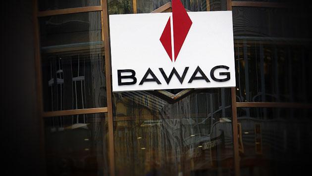 BAWAG zahlt gesamtes Staatskapital zurück (Bild: APA/Roland Schlager, krone.at-Grafik)
