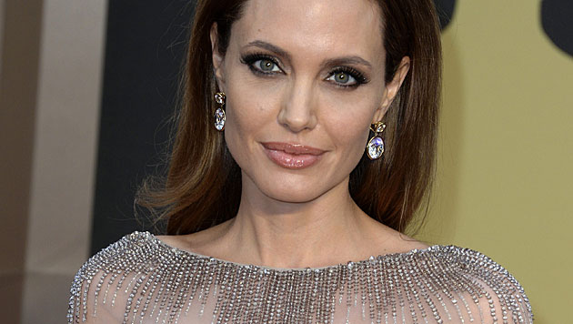 Jolie will sich nun Eierstöcke entfernen lassen (Bild: APA/EPA/MIKE NELSON)
