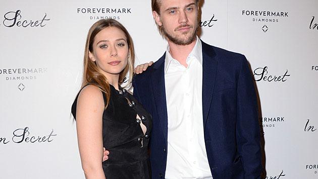Nach Mary-Kate nun auch Elizabeth Olsen verlobt (Bild: Jordan Strauss/Invision/AP)