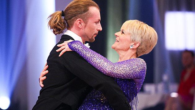"""Dancing Stars""-Damen ließen den Ballroom brennen (Bild: ORF/Milenko Badzic)"