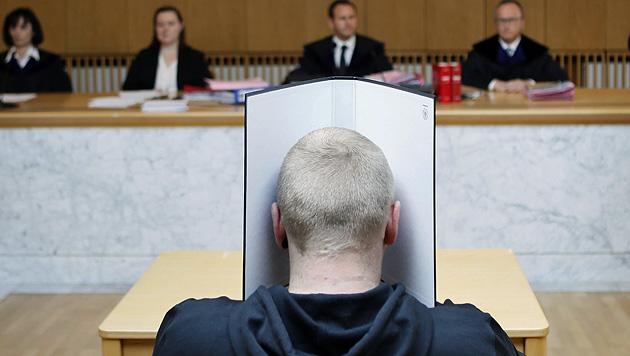 Bekannte erdrosselt: 18 Jahre Haft für Täter (Bild: APA/RUBRA)