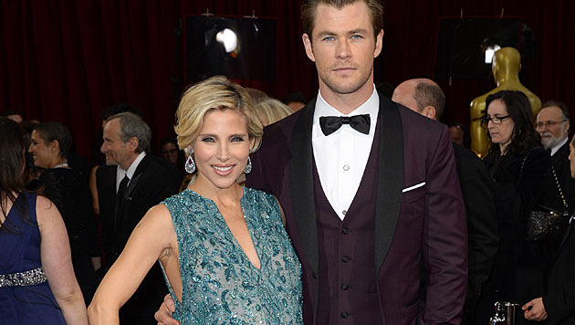 Chris Hemsworth mit Ehefrau Elsa Pataky (Bild: Dan Steinberg/Invision/AP)