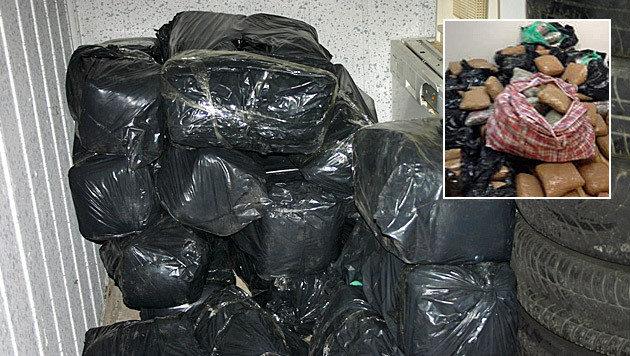Drei Großdealer mit 161 Kilo Marihuana erwischt (Bild: Polizei)