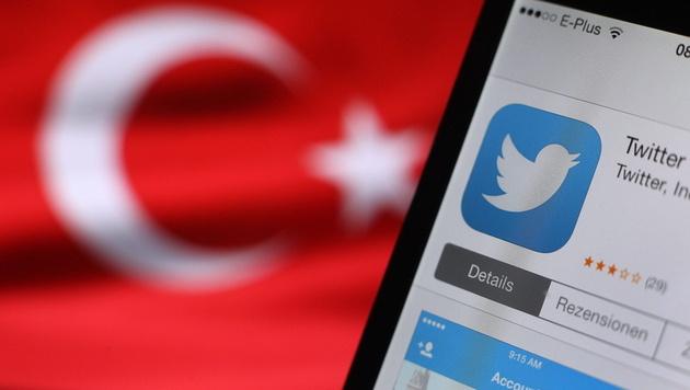So manipuliert Erdogans Propaganda-Armee das Netz (Bild: APA/EPA/Karl-Josef Hildenbrand)