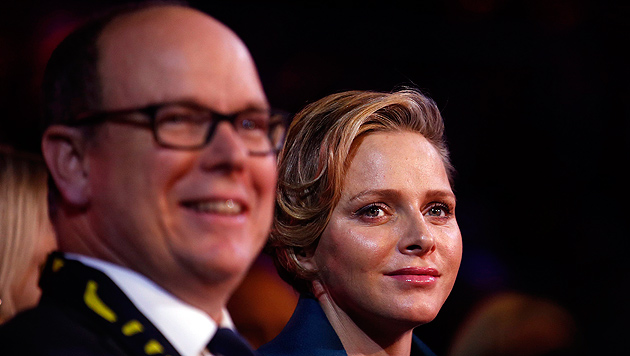 Ist Fürstin Charlene mit Zwillingen schwanger? (Bild: APA/EPA/ERIC GAILLARD/POOL)