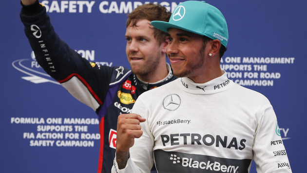 "Hamilton braust in Sepang zu ""Pole"" (Bild: AP)"