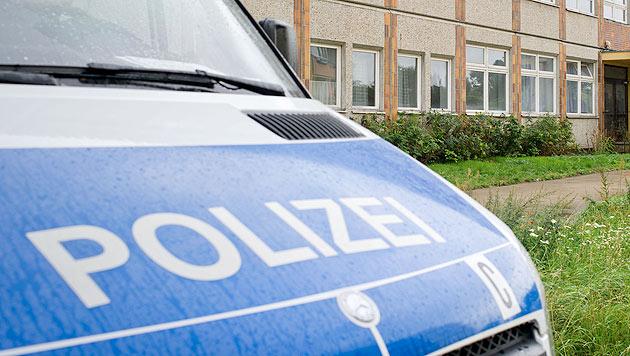 Mann verletzt Passantin mit Messer (Bild: dpa/Tim Brakemeier (Symbolbild))