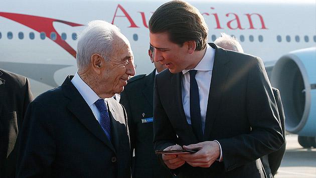 """Peres: """"Mein Herz weint beim Gedanken an Opfer"""" (Bild: APA/EPA/DRAGAN TATIC)"""