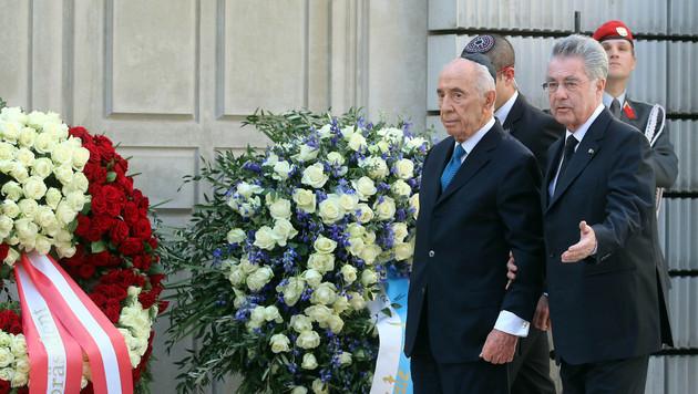 """Peres: """"Mein Herz weint beim Gedanken an Opfer"""" (Bild: AP)"""