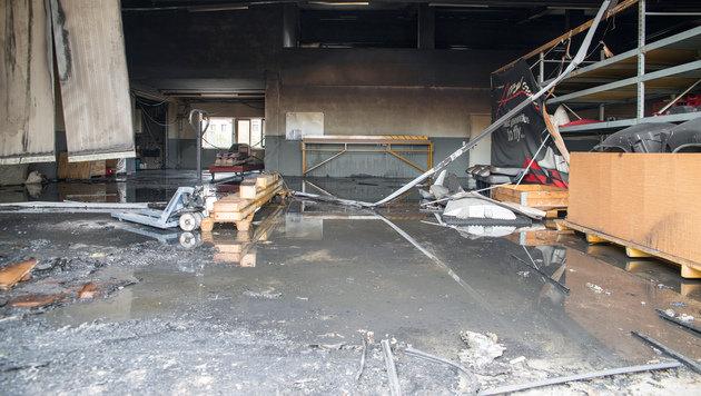 Funke löste Brand bei Helikopter-Hersteller aus (Bild: APA/MERCHANT PICTURES/ALEXANDER KAUF)