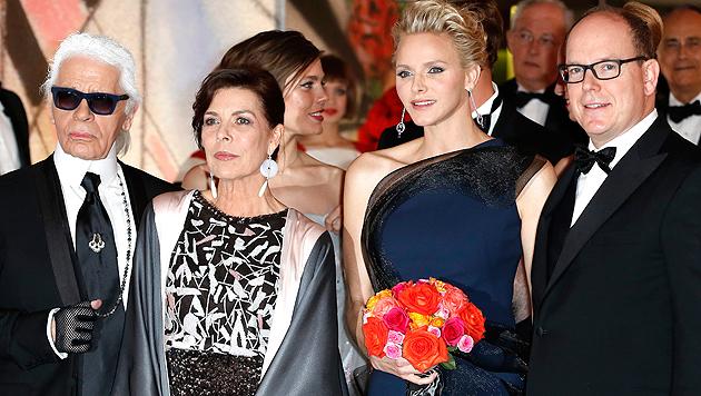 Ist Fürstin Charlene mit Zwillingen schwanger? (Bild: APA/EPA/SEBASTIEN NOGIER)