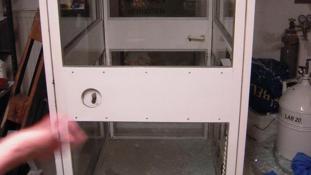 Mit dieser Liftkabine kam es zu dem Unglück. (Bild: FF Bruck/Leitha)