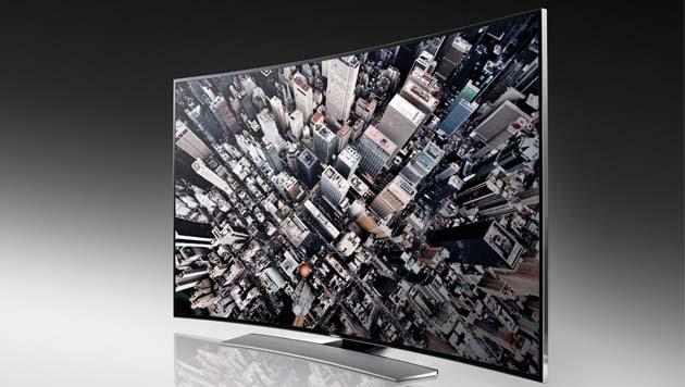 Stiftung Warentest: Krumme TVs sind kein Vorteil (Bild: Samsung)