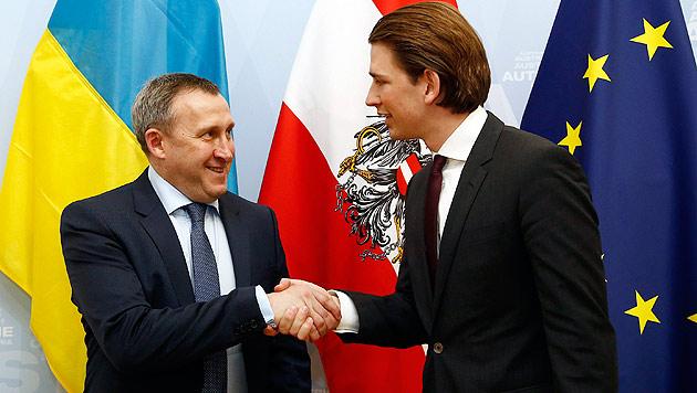 Außenminister Sebastian Kurz mit seinem ukrainischen Amtskollegen Andrej Deschtschyzja (Bild: APA/EPA/DRAGAN TATIC)