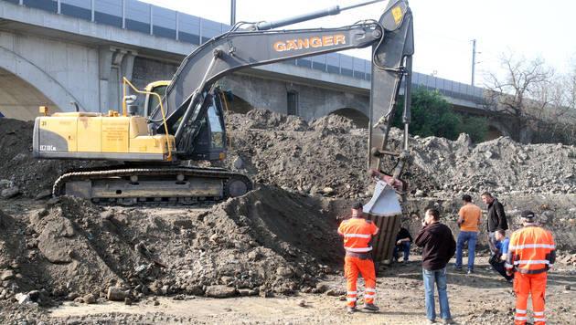 Bombenfund in Wien-Floridsdorf (Bild: ANDI SCHIEL)