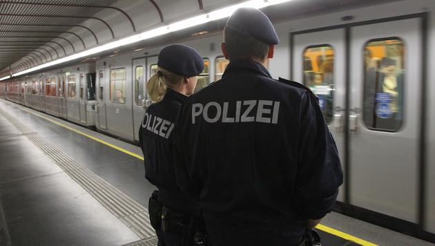 Razzia gegen Drogendealer in Wiener U-Bahnen (Bild: Peter Tomschi)