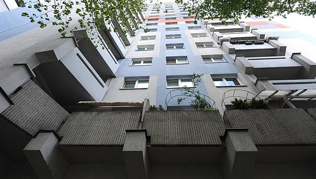 Dreijähriger stürzte in Wien aus 12. Stock - tot (Bild: APA/HERBERT PFARRHOFER)