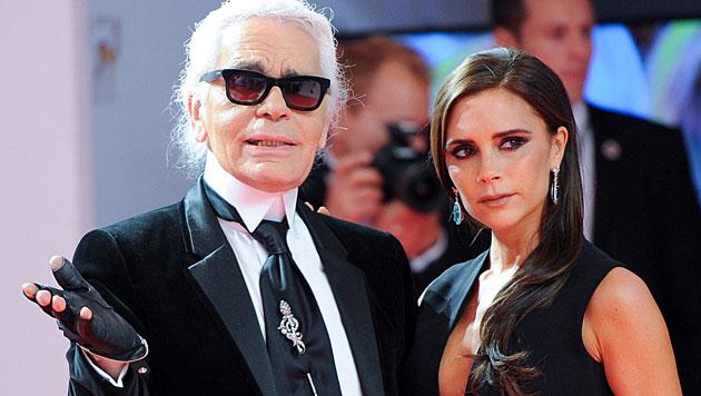 Mit Karl Lagerfeld verbindet Victoria Beckham eine gute Freundschaft. (Bild: EPA)