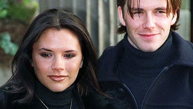 Ein Bild aus ganz frühen Tagen: Victoria Beckham und ihr Göttergatte David. (Bild: John Giles/EPA/picturedesk.com)