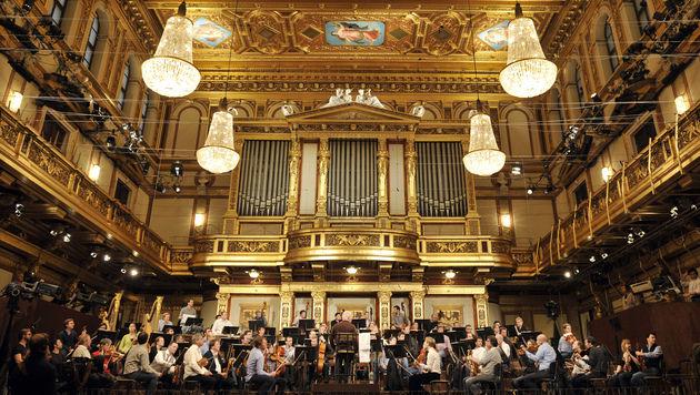 Philharmoniker restituieren Nazi-Raubkunstwerk (Bild: APA/HANS PUNZ)