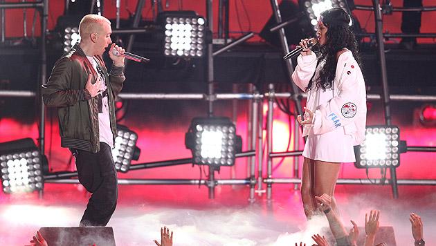 "Rihanna performte mit Eminem ihren Song ""Monster"". (Bild: Matt Sayles/Invision/AP)"