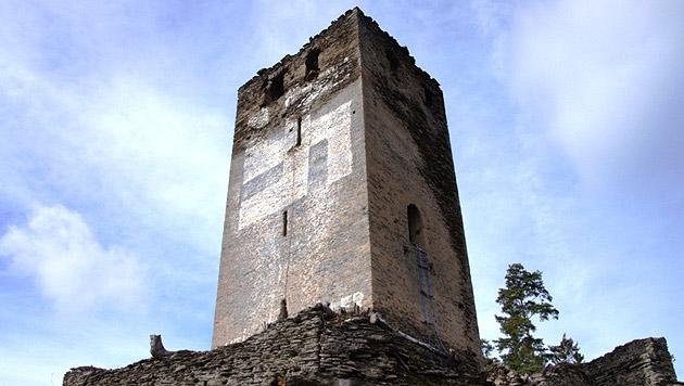 Wirbel um Hakenkreuz auf Burgruine in Kärnten (Bild: wehrbauten.at)