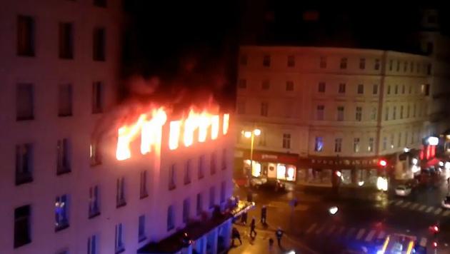 Brand in Wiener Innenstadt wurde gelegt (Bild: Screenshot Youtube.com)