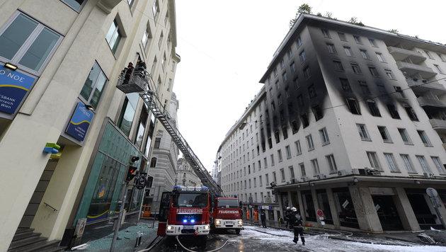 Brand in Wiener Innenstadt wurde gelegt (Bild: APA/HERBERT NEUBAUER)
