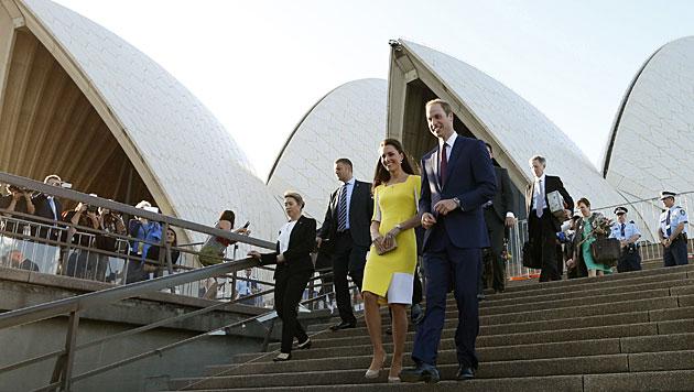 'Du siehst aus wie eine Banane', lästerte Prinz William über Kates gelbes Kleid. Uns gefällt's! (Bild: AP)