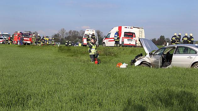 64-Jährige stirbt bei Frontalcrash, Enkel verletzt (Bild: Matthias Lauber)