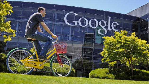 Aus Google wird Alphabet: Konzern-ABC im Überblick (Bild: dpa/Ole Spata)