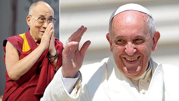Franziskus überholt Dalai Lama im Vertrauensindex (Bild: EPA, APA/EPA/MAURIZIO BRAMBATTI, krone.at-Grafik)