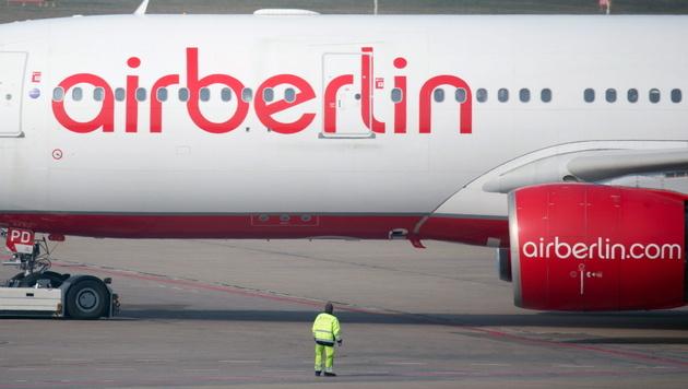 Air Berlin meldet Insolvenz an, Berlin gibt Kredit (Bild: APA/EPA/Kay Nietfeld)