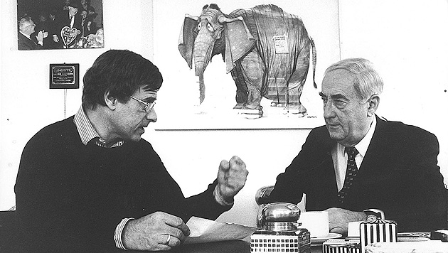 Dieter Kindermann (links) mit Hans Dichand (Bild: Kronen Zeitung)